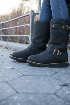UGG Australia's moto-inspired sheepskin boot for women - the Kensington II Ugg Snow Boots, Ugg Boots Sale, Ugg Boots Cheap, Snow Boots Women, Cheap Uggs, Winter Boots, Fall Winter, Ugg Shoes, Shoe Boots