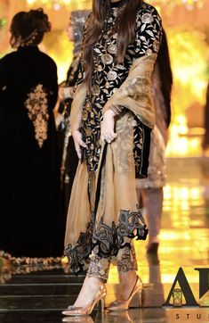 42 most popular birthday party dress women indian Pakistani Party Wear Dresses, Shadi Dresses, Pakistani Wedding Outfits, Pakistani Dress Design, Fancy Dress Design, Stylish Dress Designs, Designs For Dresses, Indian Fashion Dresses, Indian Designer Outfits