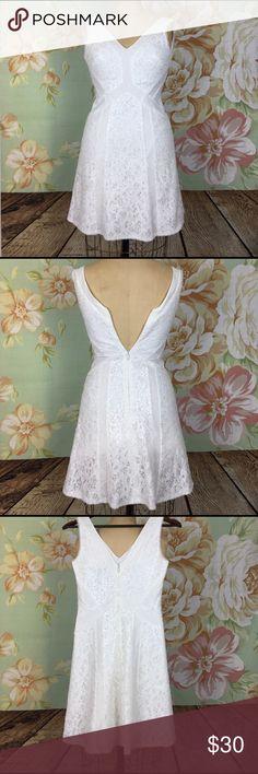NWOT BCBG White Dress Size 2 NWOT BCBG White Dress Size 2! Such a gorgeous dress!! BCBG Dresses Mini
