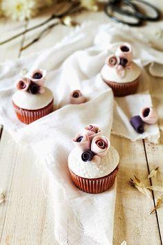 Red Velvet Magnolia Cupcakes