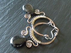 wire-work hoop earrings - love the strong vs fine lines in these