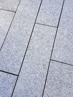 Royale Stones, Natural Granite Single Size Paving Slabs - Light Grey 800x200