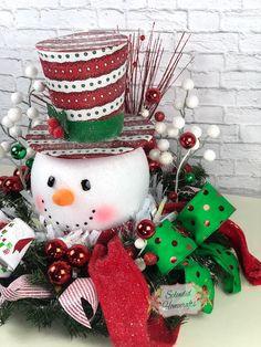 Light up Snowman Centerpiece Christmas Centerpiece Red Top Christmas Mom, Christmas Makes, Christmas Snowman, Christmas Projects, Holiday Crafts, Holiday Decor, Christmas Floral Arrangements, Christmas Centerpieces, Christmas Decorations