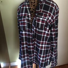 Plaid button up/ tunic Excellent condition only worn one time says 2x on tag but really an XLarge Tops Button Down Shirts