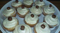 Vanilla cupcakes Vanilla Cupcakes, Baking, Desserts, Food, Tailgate Desserts, Deserts, Bakken, Essen, Postres