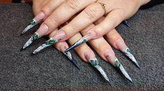 Magnetic Nail Design. Design by Aukje Veltman