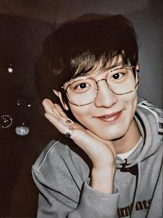 Sehun And Luhan, Park Chanyeol, Exo Chanbaek, Exo Members, Asian Men, Parks, Kpop, Headers, Wallpaper