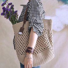 Beige crochet bag crochet handbag summer bag by vivianfabric Bag Crochet, Crochet Shell Stitch, Crochet Clutch, Crochet Handbags, Crochet Purses, Love Crochet, Crochet Stitches, Crochet Patterns, Crochet Summer