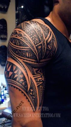 Tattoo maori in shoulder See More : http://luxurystyle.biz/tattoo/
