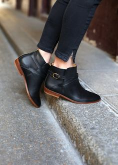 http://www.whatmywear.com/category/ankle-boots/ Sézane - Essentiels - Low Montana