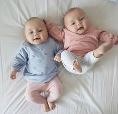 Baby cute twins boys ideas for 2019 Cute Baby Twins, Twin Baby Boys, Cute Little Baby, Baby Kind, Twin Babies, Little Babies, Baby Model, Cute Baby Pictures, Happy Baby