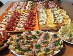 Sandwiches, snacks and canapés from my kitchen . Cold Appetizers, Appetizer Recipes, Snack Recipes, Cooking Recipes, Snacks, Austrian Recipes, European Cuisine, Czech Recipes, Party Finger Foods