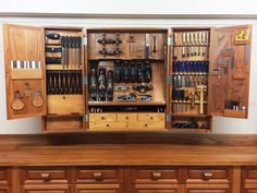 Holzdesign Macabre Hand Tools Inspiration How to build a Woodworking Tool Cabinet, Woodworking Projects, Woodworking Videos, Tool Storage Cabinets, Cupboards, Workshop Cabinets, Workshop Storage, Wood Workshop, Home Tools