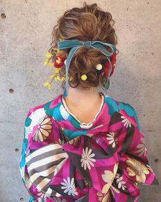 マリ 2018 成人式 l 浜松市にある美容室 Brillant Yukata Kimono, Kimono Dress, Japanese Beauty Hacks, Cute Updo, Asian Eye Makeup, Beauty Care, Hair Beauty, Hair Arrange, Asian Eyes