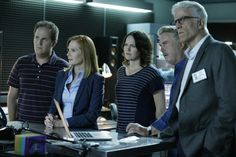 When CSI: Crime Scene Investigation premiered in 2000, CBS didn't think it would be one of the big hits of its fall schedule — nope, they were giving a bigger promotional push to a remake of The Fugitive, this time starring Tim Daly as Dr. Richard Kimble. CSI was given a 9 p.m. Friday time slot after