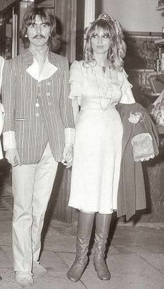 pattie buyd and george harrison and friends | Title: george harrison and pattie boyd pic1