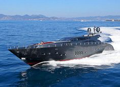 Awesome yacht. Amazing, luxury, awesome, expensive, enormous, giant, modern, exclusive boat & yacht. Increible, lujoso, espectacular, caro, enorme, gigante, moderno, exclusivo barco/yate.
