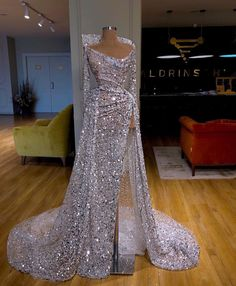Online-Shop Couture Dubai Feathers Formal Evening Dresses Abendkleider Arabic Couture New Prom Dress For Weddings Robe de soiree Party Gowns Gala Dresses, Couture Dresses, Fashion Dresses, Elegant Dresses, Pretty Dresses, Formal Dresses, Bling Prom Dresses, Bling Dress, Beautiful Gowns