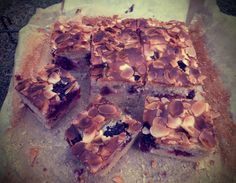 Blackberry and almond traybake - CookTogether Blackberry, Almond, Simple, Desserts, Recipes, Food, Tailgate Desserts, Blackberries, Deserts