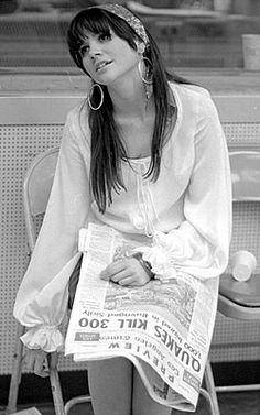 Linda Ronstadt--slimmer days