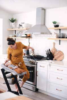 Avocado Keto Taco Bowls recipe featured by top Florida lifestyle blog, Fresh Mommy Blog: Cooking in the farmhouse kitchen with baby. Newborn baby in the black stokke tripp trapp high chair