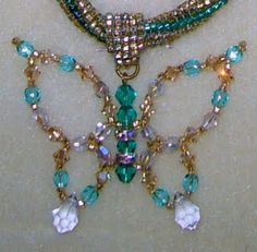 From Carl's Beading Table: Butterfly Pendant - Instructions / Schmetterling Anhaenger - Anleitung