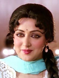 Beautiful Bollywood Actress, Most Beautiful Indian Actress, Hindi Old Songs, Actress Aishwarya Rai, Hema Malini, Grace Beauty, She Movie, India Beauty, Indian Actresses