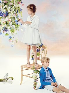 Baby Dior & Dior Kids Clothes from France the Luxurious Children's Collection full of The History & Fine Couture of The Dior House of Fashion in Paris Fashion Kids, Young Fashion, Toddler Fashion, Fashion Clothes, Fashion Purses, Fashion Tights, Fashion Scarves, Cheap Fashion, Fashion Shoes