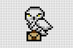 Hedwig Harry Potter Pixel Art - Stricken ist so einfach wie 3 Das Stricken. Hedwig Harry Potter Pixel Art - knitting is as easy as 3 Knitting boils down to three essential skills. Hedwig Harry Potter, Pixel Art Harry Potter, Harry Potter Perler Beads, Harry Potter Cross Stitch Pattern, Cross Stitch Designs, Cross Stitch Patterns, Cross Stitching, Cross Stitch Embroidery, Modele Pixel Art