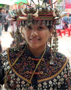 """hakka woman in taiwan. """"hakka people"""" in chinese: 客家人 - literally 'guest families' or 'guest people' ...http://humanbiodiversity.tumblr.com/post/5900977863/hakka-woman-in-taiwan-hakka-people-in-chinese"""