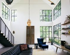 Inspiring barn-style residence designed by Pavonetti Office of Design located in Austin, Texas, United States. Photography by Amanda Kirkpatrick Visit Pavonetti Office of Design Home Interior, Interior Architecture, Architecture Journal, Interior Windows, Simple Interior, Interior Ideas, Style At Home, Interior Design Minimalist, Austin Homes