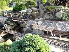 Miniature Railroad at Kendal at Oberlin, Oberlin, Ohio September 14, 2009 - YouTube