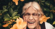 Finding Your Ideal Retirement Age Is Easy To Do - thehappyage.com Retirement Age, Retirement Pension, Retirement Planning, Forms Of Dementia, Aging Population, Old Person, Social Security Benefits, Apps, Healthy Aging