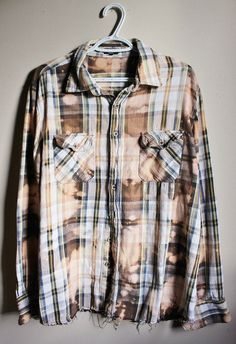 This is a great 90s vintage blue and brown plaid cotton shirt.  Weve splatter…