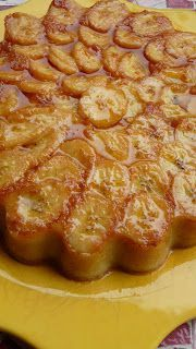 5 Mimutes Cake With the rain, which is omnipresent today, I needed a bit . Banana Recipes, Cake Recipes, Dessert Recipes, Sweet Desserts, Delicious Desserts, Fresh Fruit Cake, French Patisserie, Thermomix Desserts, Cooking Cake