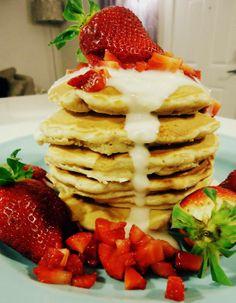 Foodie & Fabulous: Strawberries 'N Cream Pancakes