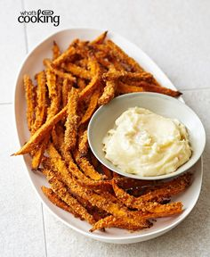 Baked sweet potato fries are great on their own, but these crunchy bites are taken to another level when served with garlicky mayonnaise. Kraft Foods, Kraft Recipes, Mayonnaise, Fast Food, Tasty, Yummy Food, Food Dishes, Side Dishes, Fried Potatoes