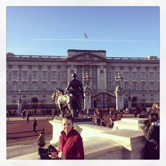 #london #buckinghampalace #sightseeing #ljubavi #sunshine by _herzklopfen_