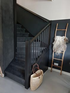 Home Decorating Ideas Kitchen and room Designs Cottage Stairs, House Stairs, Living Room Red, Living Room Goals, Stair Renovation, Home Ownership, Hallway Decorating, House Goals, Stairways