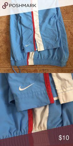 Nike Capri pants Gently worn great condition Nike Capri pants draw string waist Pants Capris