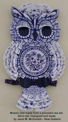 Resultado de imagem para Mosaic Garden owl #StainedGlassOwl