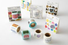 These kraft stickers from Midori Japan make it easy to find your personal look. This roll contains 11 different kraft themed designs & a total of 180 stickers. Holiday Hours, Hand Type, Gift Store, Washi Tape, Christmas Holidays, Finding Yourself, Rolls, Wraps