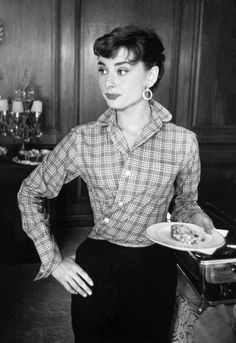 Audrey Hepburn during the filming of Sabrina. New York, 1954