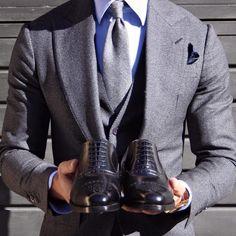 Dapper Suits, Mens Suits, Blazer Suit, Suit Jacket, Tie Shoes, Gentleman Style, Suits You, Gq, Bespoke