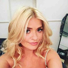 Here are the top 10 pictures of Holly Willoughby Without Makeup and all of them one way or the other show the real and beautiful face of this woman. Holly Willoughby Instagram, Holly Willoughby Hair, Blonde Women, Bob Hairstyles, Hair Lengths, New Hair, Hair Inspiration, Hair Inspo, Short Hair Styles