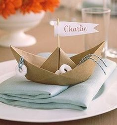 Centro de mesa barquinho de papel - lindo e diferente | Macetes de Mãe