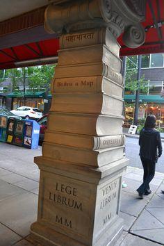 Книжный магазин Павелс Букс, Портленд, штат Орегон (Powell's Books, Portland, Oregon)