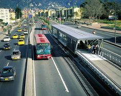 Bus rapid transit in Bogota. Transportation Solutions, Ville New York, New Urbanism, Eco City, Sustainable City, Rapid Transit, Marquise, Bus Station, Bus Stop