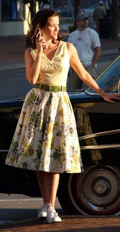 Reese on the set for Walk the Line - Walk The Line Photo - Fanpop Broadway Costumes, Movie Costumes, Walk The Line Movie, Johnny And June, Johnny Cash, Lace Skirt, Midi Skirt, Line Photo, Classy Women