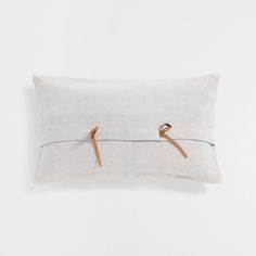 Tie-fastened linen cushion cover